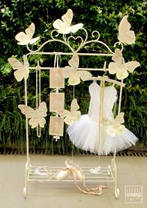 ...ogni farfalla rappresenta i suoi passi da ballerina classica.
